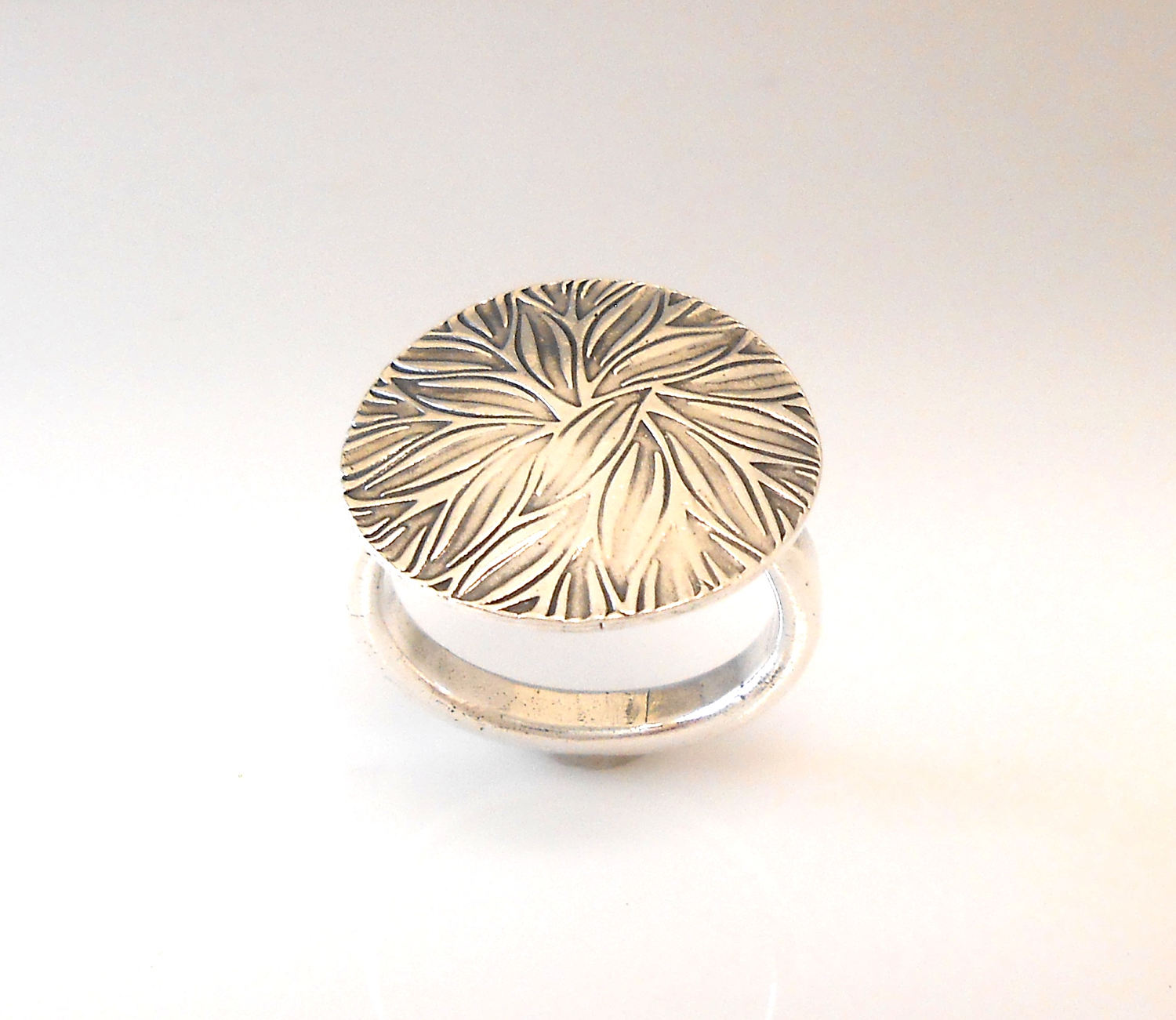 Fine Silver Leaves Statement Ring Size 8.5