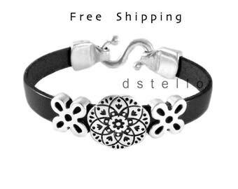 Celtic bracelet, Flower bracelet, Celtic jewelry, Scottish, Irish cuff, Gaelic, Welsh, Womens bracelet, Celts, Gift for her