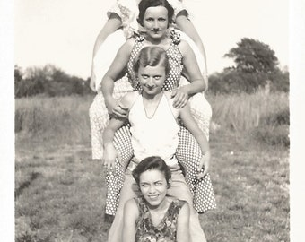"Vintage Snapshot ""Pyramid"" Pretty Girls Found Vernacular Photo"