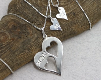 Mother Daughter Heart Necklace Set Mom Two Daughters Necklace Mom Necklace Sterling Silver Two Hearts Pendant Heart Charm Mom Gift