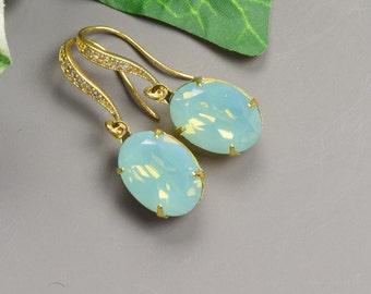 Swarovski Crystal Earrings - Green Earrings - Pacific Opal Earrings - Bridesmaids Earrings - Mint Earrings - Wedding Jewelry