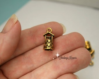3 Wishing Well Charm, 3D Charms 17 x 9 mm Antique Gold Tone - cg201