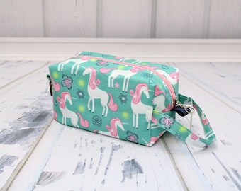 Unicorn fabric Small boxy bag, Knitting Boxy Project Bag, Box Bag, Knitting Project Bag. Sock Knitting bag. Crochet bag,zippered box bag