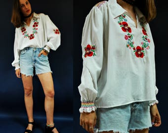1970s Matyo Traditional Floral Embroidered Hungarian Souvenir Blouse