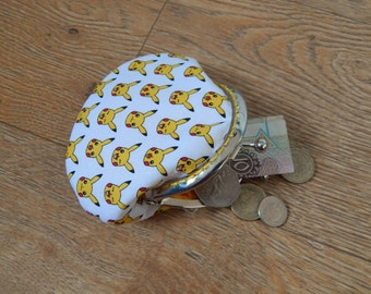 White Pikachu patterned metal frame coin purse - Pokemon