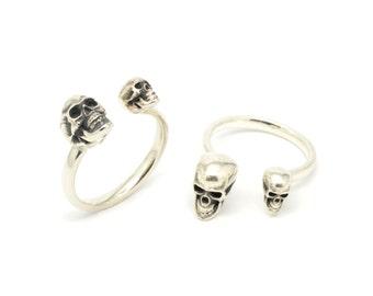 Silver Skull Ring, Adjustable Sterling Silver Skull Ring, Open Silver Ring, Contemporary Ring, Gothic, Statement, Magna Parva Calvariam Ring