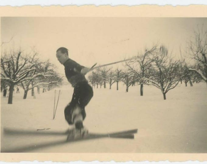 Vintage Snapshot Photo: Skier, c1930s (75574)