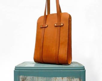 Hand Made Leather Tote Bag Natural Bark Tanned Leather Purse Shoulder Bag Minimalist Rustic Modern Beige Summer Bag