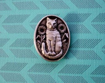 Cat Pewter Pin /Signed Pewter Pin/ Oval Cat Brooch Pin/Signed/ Vintage Pin / Ms Dee