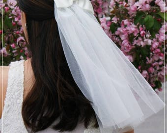 Bow Veil, Bridal Veil, Medium veil, Wedding Veil, Ivory Veil, Wedding Hair, Vintage Wedding- V175bow