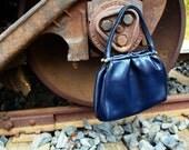 Vintage - Navy Metal Clasp Handbag Purse