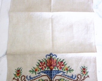 Deco Guest Hand Towel  Embroidered Cross Stitch Ecru Linen Shabby 14 x 20 Inches