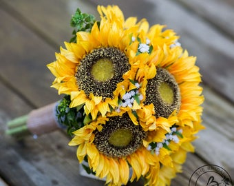 Sunflower wedding bouquet, wedding bouquet, fall wedding bouquet, yellow sunflower bridal bouquet, rustic wedding bouquet, burlap handle