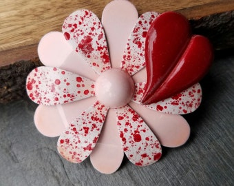 Pink and Red Brooch Hand Painted Red and Pink Enamel Flower Pin Red Heart Brooch Metal Flower Daisy Broach Sweetheart Valentine Gift FB45