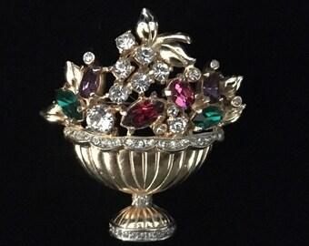 """Vintage 1940s Coro """"Crystal Flower Basket"""" Brooch (Tier 2)"""
