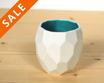 Modern ceramic espresso cup - handmade in polygons espresso - Poligon facetted espresso cup in bright quality tableware - Emerald Green