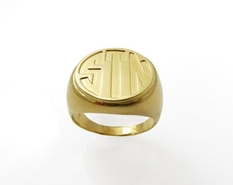 Monogram ring. Gold monogram ring. Unisex ring. Men ring. Initial ring. Gift for him. Gold signet ring. Personalized ring. Men initial .1613