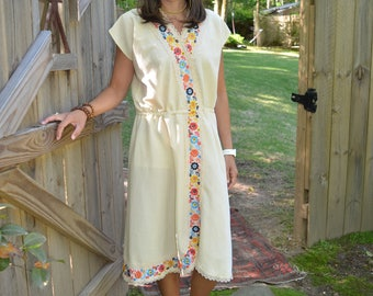 REDUCED PRICE: Vintage Mexican Oaxacan Dress Ivory 70s embroidered flowers midi S/M small medium