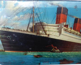 Vintage 1940s Queen Mary Liner /  Ship Tin for Bensons English Toffee. In Good Vintage Condition