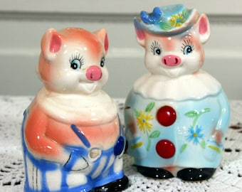 Enesco piggy salt and pepper-styled by Lorraine Elam-pair of large vintage anthropomorphic shakers