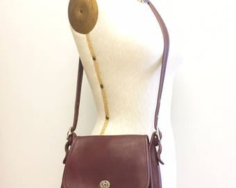 Vintage Coach Bag Burgundy Wine Leather Crossbody Shoulder Turnlock Style 9061 Handbag Purse Pocketbook Cross Body