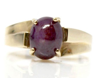 SALE! 14k yellow gold Star Ruby vintage ring  ruby