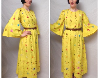 Vintage 1960's Mexican Embroidered Cotton Floral Bell Sleeve Maxi Dress - size Medium to XL Extra Large