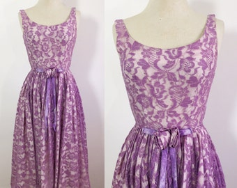 Vintage Lace Gown / 1940s Purple Floral Lace Dress / Vintage 1940s Dress