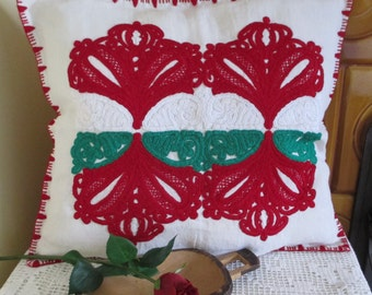 ON SALE 159. Vintage hand embroided pillow sham, hand embroided pillow cover, embroided pillow cover, Kalotaszeg embroided motif