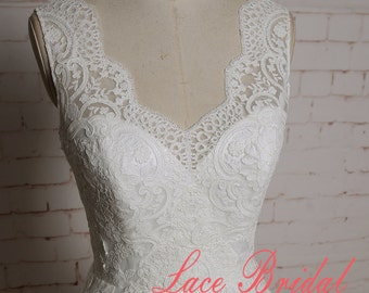 Romantic Ivory Tulle A line Lace Wedding Dress with Open Back