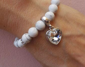 Heart charm bracelet. Pandora style heart charm bracelet. Chunky beaded bracelet. Howlite gemstone bracelet with crystal heart charm.