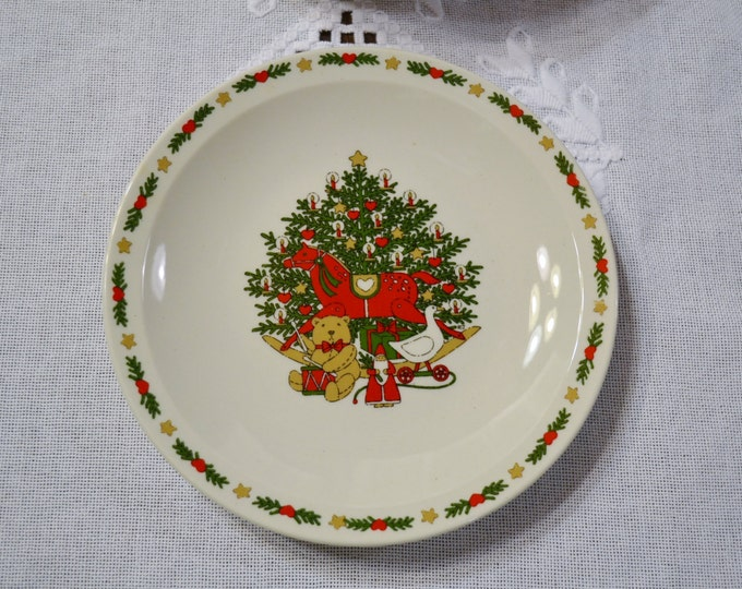 Vintage O Christmas Tree Bread Dessert Plate Set of 8 Holiday Dinnerware Ten Strawberry St 1987 PanchosPorch
