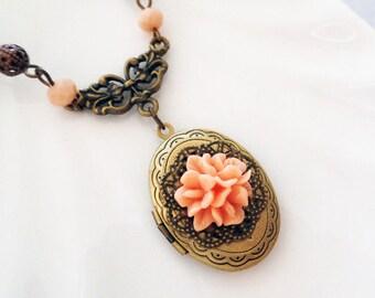 Antiqued Flower Locket Necklace - Antiqued Brass Photo Locket - Photo Locket