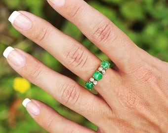 Vintage Jade 3 Stone Ring with Old Mine Cut Diamonds 18K Yellow Gold 1.90ctw