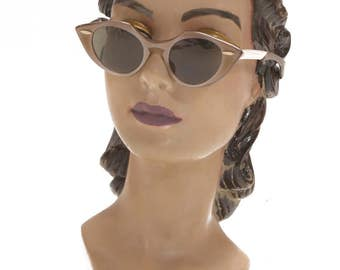 1950s Pearlescent Brown Pointed Cat Eye Sunglasses