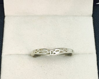 Vintage Etched Floral Design Thick Sterling Silver Ring - Size 9 - 2.0 Grams