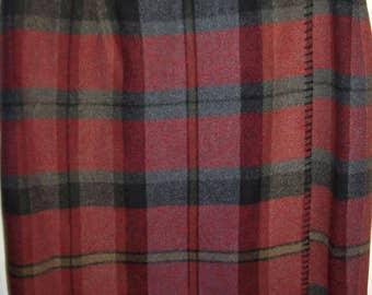 Vintage Wool Short Plaid Wrap Skirt by Bushwacker. Smart Preppy Vintage Find Size 8