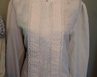 Embroidered front Prairie Blouse....ruffles and lace....front buttons.....long sleeves