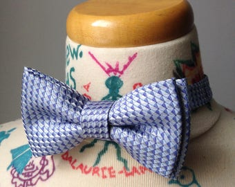Bowtie - Baby blue with tiny triangle silk - pre-tied - groom - unique bow tie - classy - smart casual - summer wedding