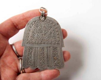 Old Moroccan khamsa or hand of Fatima 3 1/2 inches long