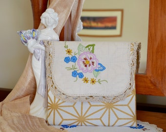 Doily purse, Grandmother gift, embroidered wallet, small purse, vintage pocket, envelope clutch, gift for grandmother
