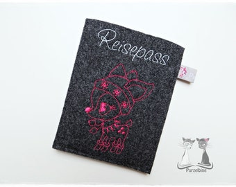 Passport cover made of wool felt - snow kid
