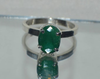 Gorgeous 3.50 ct. Natural Genuine Kagen Zanbian Emerald in .925 Sterling Silver Ring