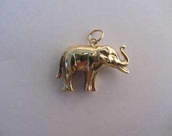 14k Gold 3-D Large Realistic Lucky Elephant Charm - 2.18g