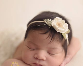 Off white flower headband. Newborn headband. Photo prop.
