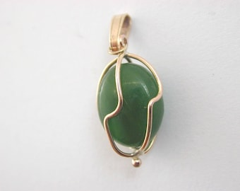 Antique arts and crafts 9ct gold and nephrite pendant