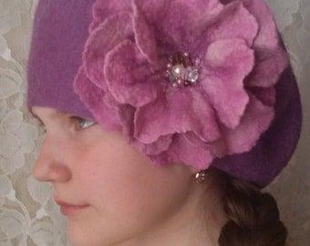 Felt wool hat.Felt flower.Women hat.Felt beret.Pink hat.Wet felting.Felt hat.Winter hat..