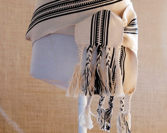 The Sash is a finger woven belt made of wool Woven sash belt in indigenous loom, ,Look Boho corset Fabric , Pendant Sash  Accessory Woven