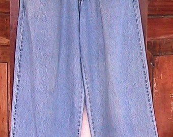 Size 9 Vintage 1990s lei High Waisted Jeans