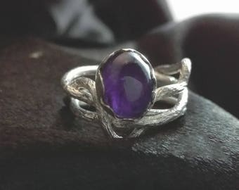 Amethyst ring for women in 925 Silver. Modern jewelry